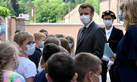 """Presidente francés, Emmanuel Macron, dijo que la bofetada """"no fue agradable"""""""