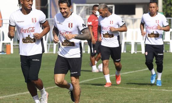 Perú comienza a preparar partido con Colombia marcado por goleada de Brasil