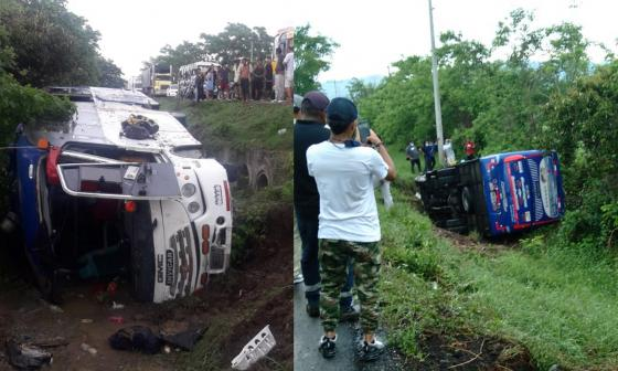 Varios heridos tras volcamiento de bus en Sabanalarga