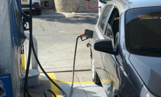 Senado aprobó en extras sobretasa a la gasolina