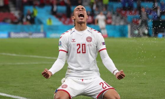 Dinamarca a octavos de la Eurocopa