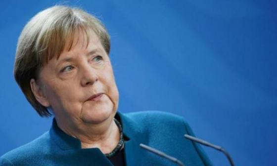 Merkel vuelve a pronunciarse contra estadios llenos en la Eurocopa
