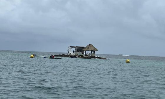 En Islas del Rosario construyeron bar sobre un coral: Dimar