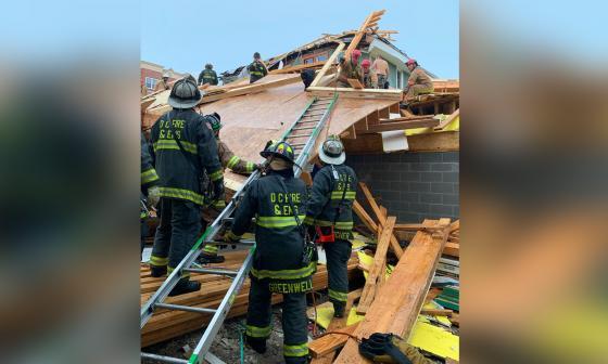 Al menos cinco heridos al colapsar un edificio en construcción en Washington