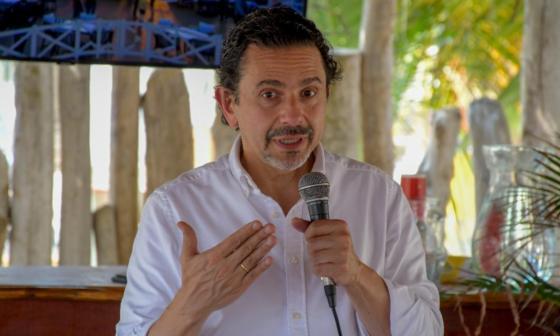 Ceballos inscribió el comité con el que busca la Presidencia