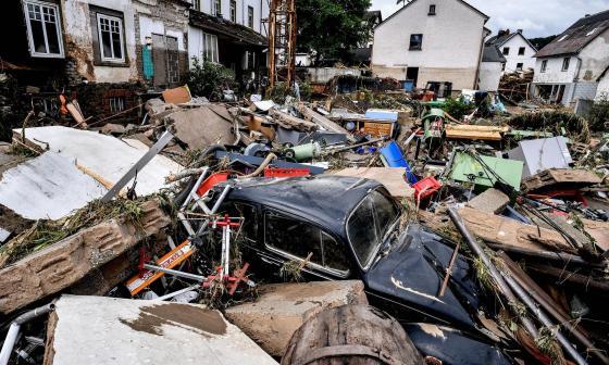Muertes por inundaciones en Alemania se elevan a 143