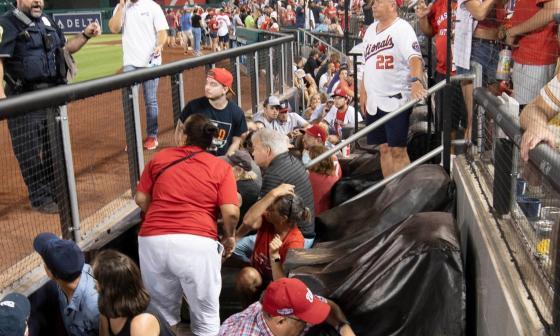 Los Padres ganan el juego suspendido el sábado por tiroteo cerca del estadio