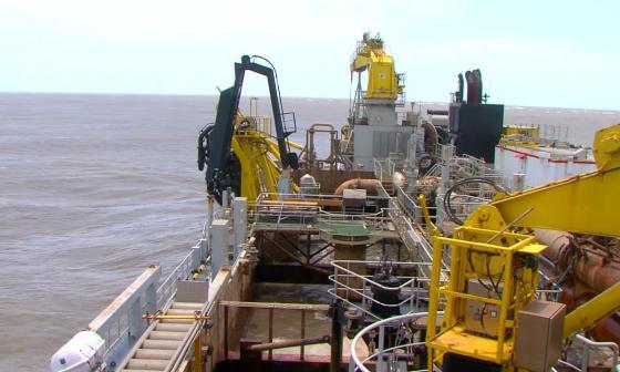 Tras dos días de dragado ingresan buques a Zona Portuaria de Barranquilla