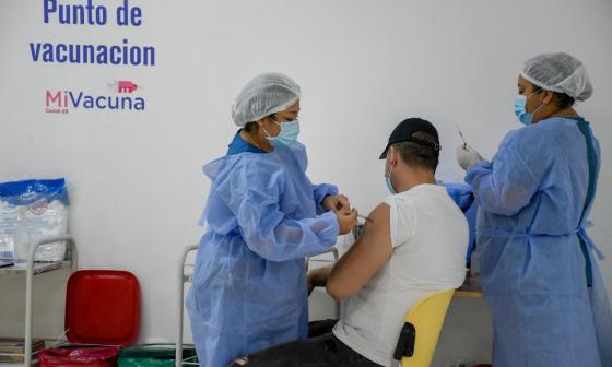 Llamado a la población que todavía no se vacuna