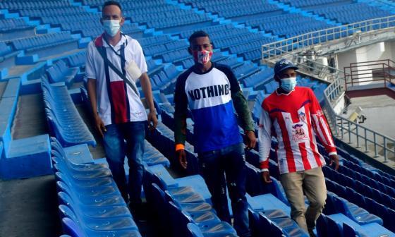 Vendedores de los partidos de Junior en el estadio Metropolitano