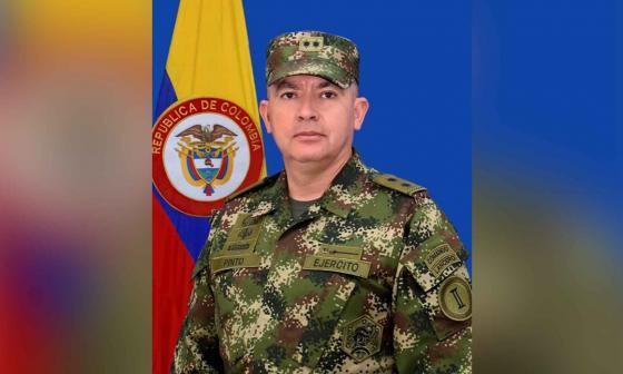 Comandante de la Segunda División del Ejército pidió la baja tras atentado a Duque