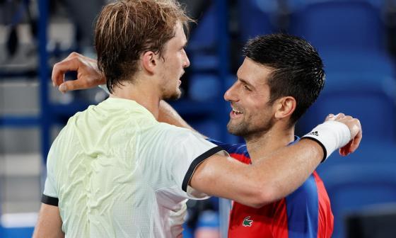 Zverev da la sorpresa en Tokio y envía a Djokovic a luchar por el bronce