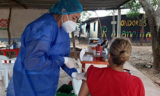 Fueron vacunados excombatientes en La Guajira