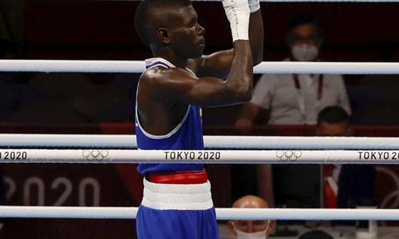 Yuberjen Martínez ganó su combate y está en cuartos de final en Tokio 2020
