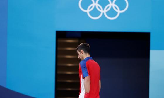 ¿Presión para Djokovic? El serbio se retiró del duelo por el bronce en mixtos
