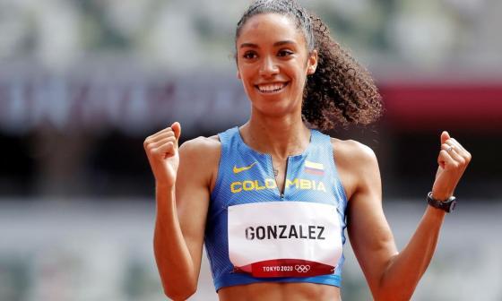 Hasta en la NFL celebran clasificación de Melissa González en los 400 metros valla