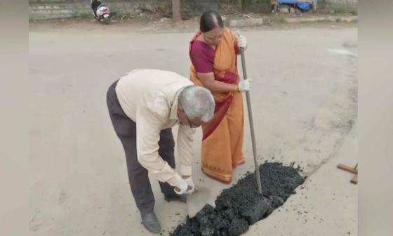 Pareja de adultos mayores arreglaron las calles de su ciudad con sus ahorros