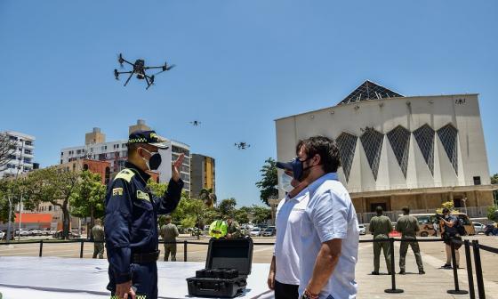 Distrito entrega cinco nuevos drones para la Policía Metropolitana de Barranquilla