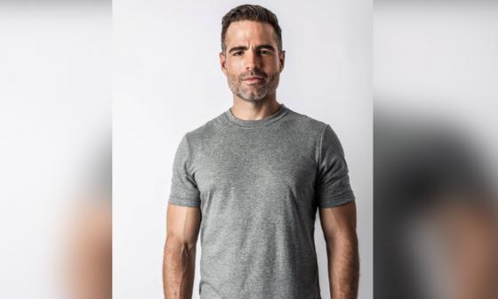 El actor Roberto Manrique reveló a sus seguidores que es gay