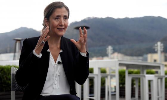 """Ingrid Betancourt sobre Iván Duque: """"Está maniatado por su entorno"""""""