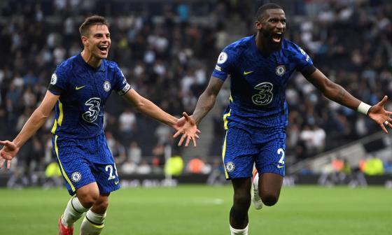Chelsea goleó al Tottenham y se sube a la cima de la Premier