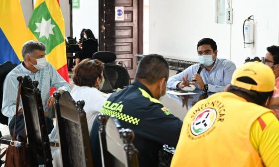 Distrito logra consenso con el gremio de taxistas de Cartagena
