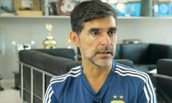 El exfutbolista Roberto Ayala sufre un robo a piedrazos en Buenos Aires