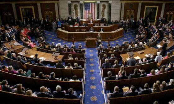Cámara de EE. UU. prohíbe fondos para fumigar en Colombia