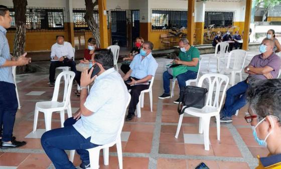 Alcalde de Malambo concreta presencialidad en los 13 colegios oficiales