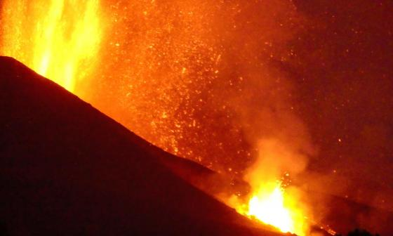 """El papa muestra su """"solidaridad"""" a los afectados por el volcán en La Palma"""