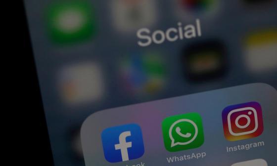 """Caída masiva de Facebook, Instagram y Whatsapp fue por """"cambio de configuración defectuoso"""""""