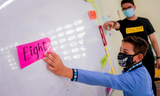 Barranquilla recibe galardón por bilingüismo en escuelas públicas