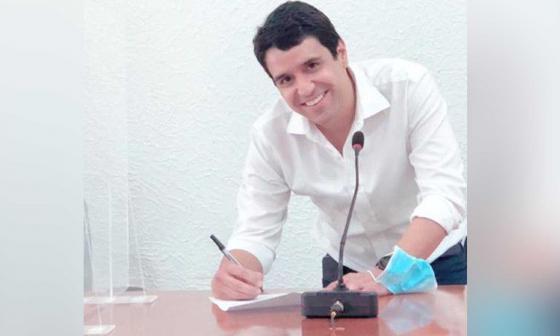 Contralor distrital Carlos Felipe Quintero presenta renuncia ante el Concejo de Barranquilla