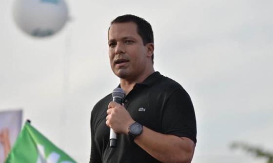 Fiscalía señala a gobernador de Cesar por inconsistencias en contrato del PAE