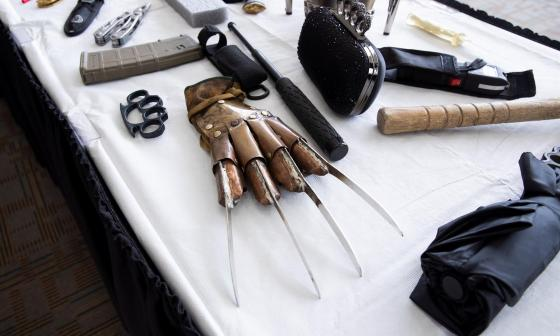 Los raros y curiosos objetos que pasajeros tratan de entrar a EE. UU.