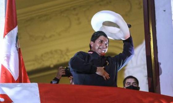 Perú, ¿Un campanazo para Colombia? | La columna de Francisco Cuello D.