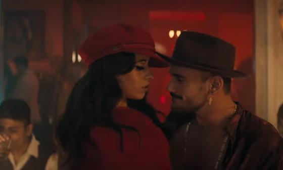 Camila Cabello celebra sus raíces cubanas en video de 'Havana'