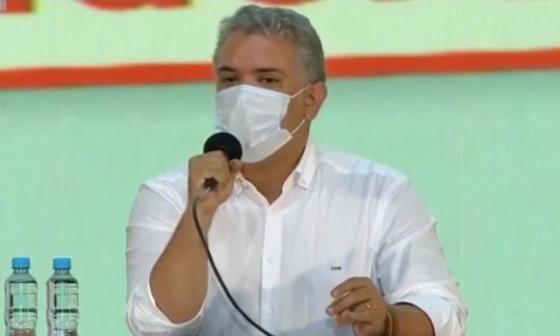 ¿El doctor Fauci colombiano? Duque bromea con funcionario de gobierno