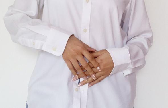 La camisa blanca, una prenda versátil que no puede faltar en tu clóset