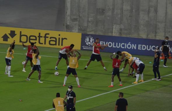 Imágenes del encuentro entre Junior y River en Barranquilla