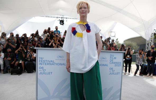 El look colombiano de Tilda Swinton en Cannes