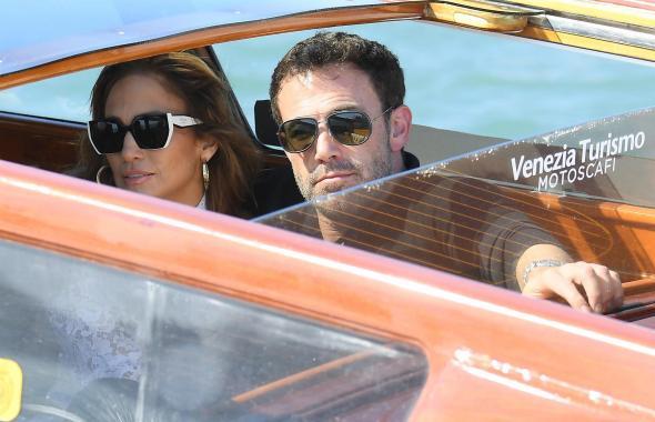 JLo y Ben Affleck se roban las miradas en el Festival Internacional de Cine de Venecia