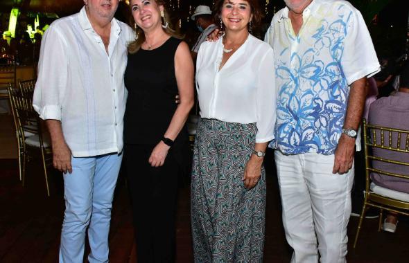 Noche cubana en el Club Lagos del Caujaral