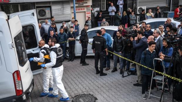 Expertos forenses en Estambul.