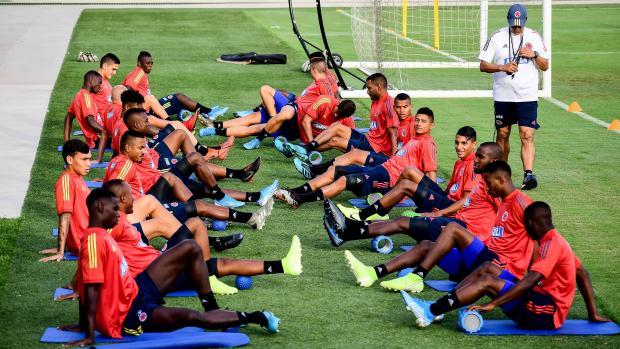 La Selección Colombia sub-23 durante los trabajos físicos que realizó ayer en el estadio Romelio Martínez.