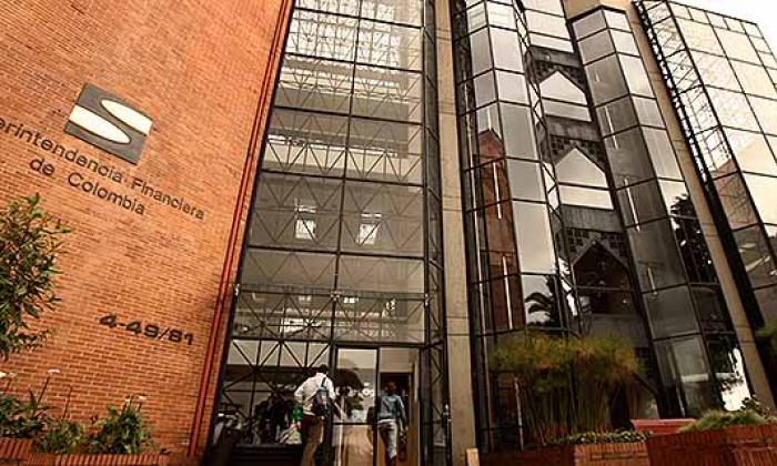 Superfinanciera alerta por nuevas firmas que no están sometidas a su inspección y vigilancia