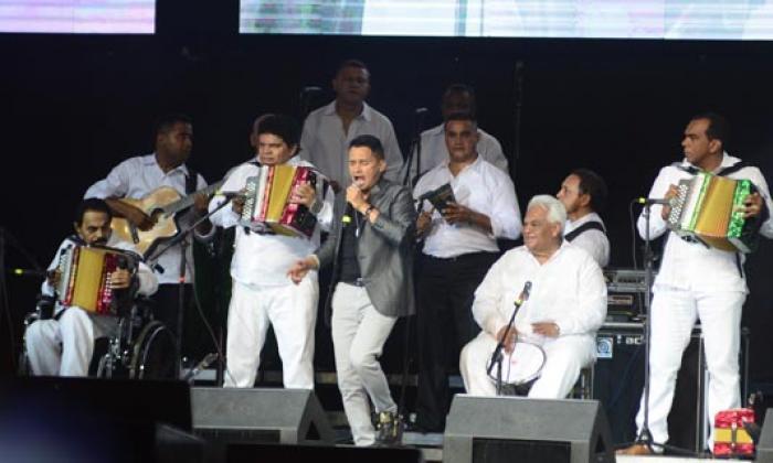 ¡Que vivan el vallenato y los López!