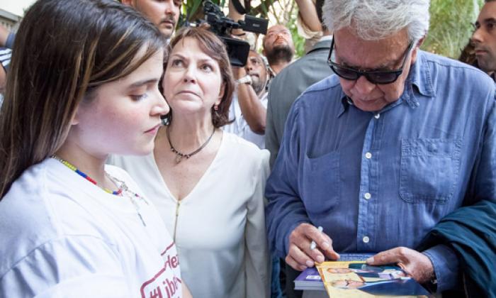 El expresidente Felipe González durante uno de los encuentros con miembros de la oposición venezolana.