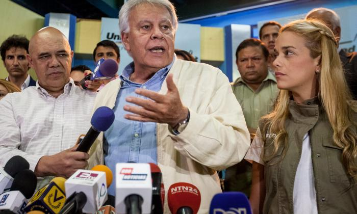 González acata fallo y dice que no defenderá a la oposición
