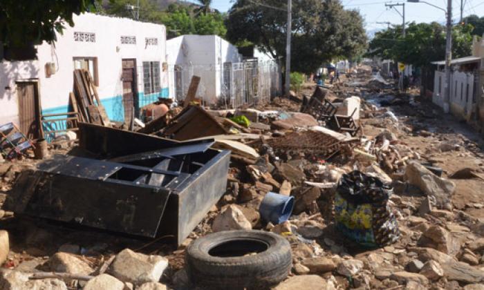 Las calles del barrio María Eugenia fueron las más afectadas tras la avalancha de agua y piedras durante el aguacero.